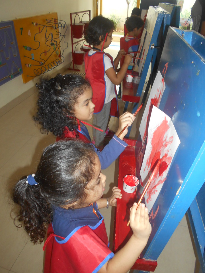 DEVELOPING FINE MOTOR SKILLS AND CREATIVE SKILLS- EASEL BOARD PAINTING (6)