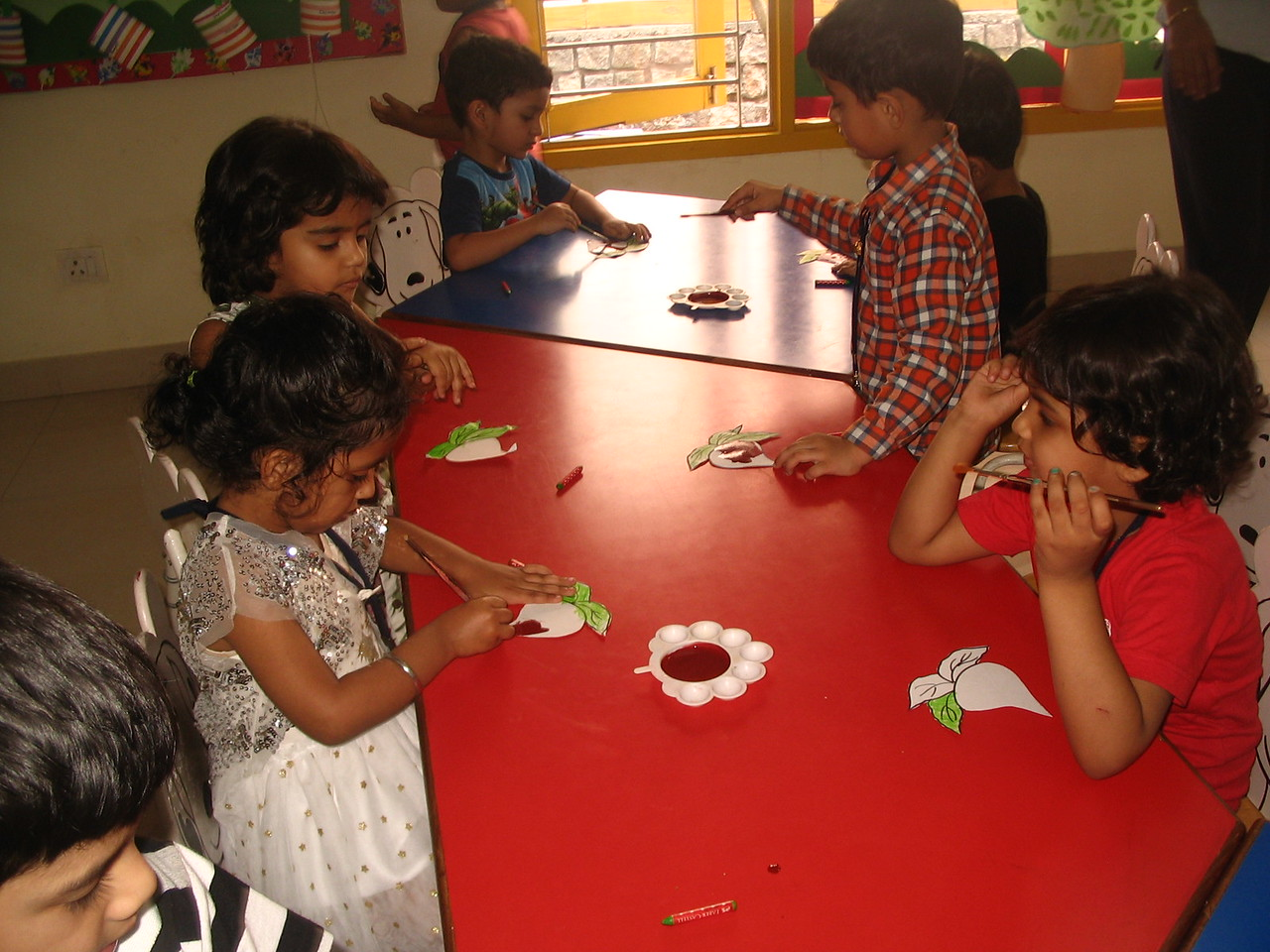 DEVELOPING FINE MOTOR AND EYE HAND COORDINATION- PAINTING ACTIVITY (8)