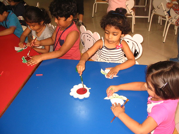 DEVELOPING FINE MOTOR AND EYE HAND COORDINATION- PAINTING ACTIVITY (4)