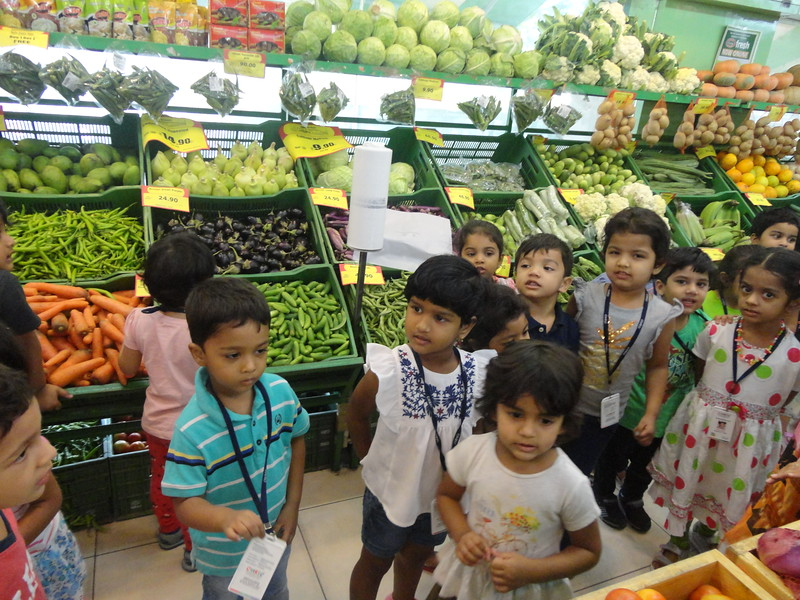 OUR FIELD TRIP TO FRUIT AND VEGETABLE MART (3)