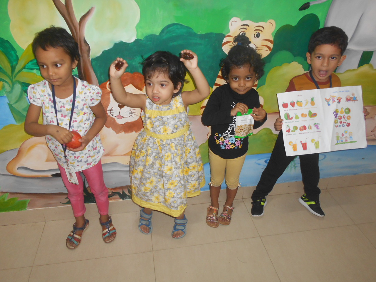 DEVELOPING LANGUAGE AND SOCIAL SKILLS THROUGH SHOW AND TELL (2)