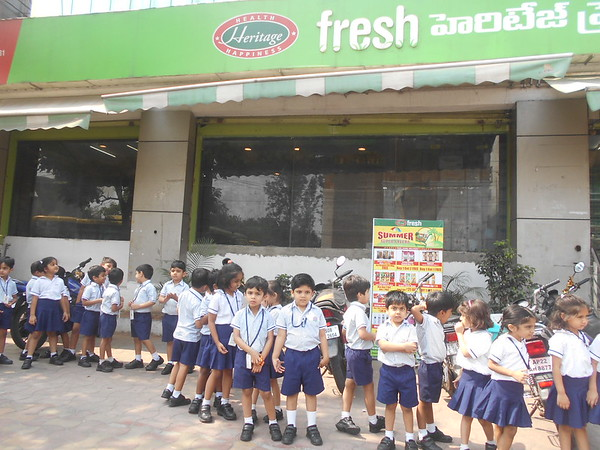 A VISIT TO VEGETABLE AND FRUIT MART1