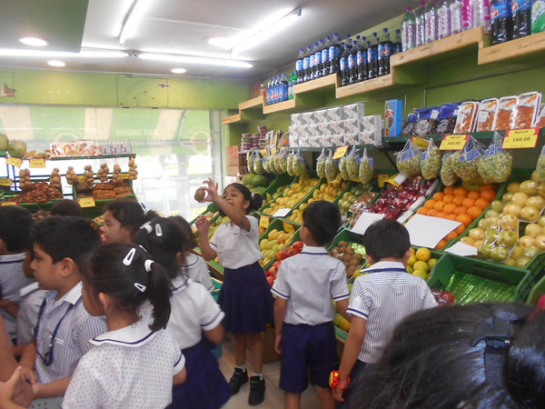 A VISIT TO VEGETABLE AND FRUIT MART4