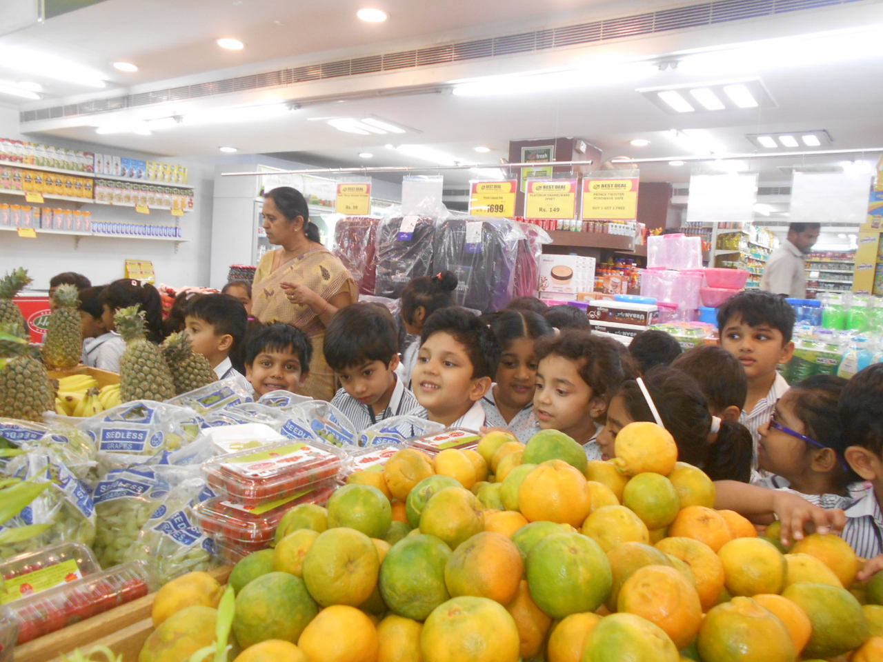 A VISIT TO VEGETABLE AND FRUIT MART2