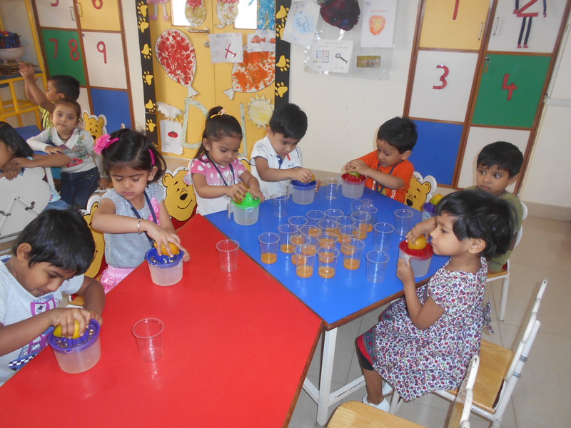 DEVELOPING FINE MOTOR AND GUSTATORY SKILLS THROUGH SQUEEZING ACTIVITY (3)