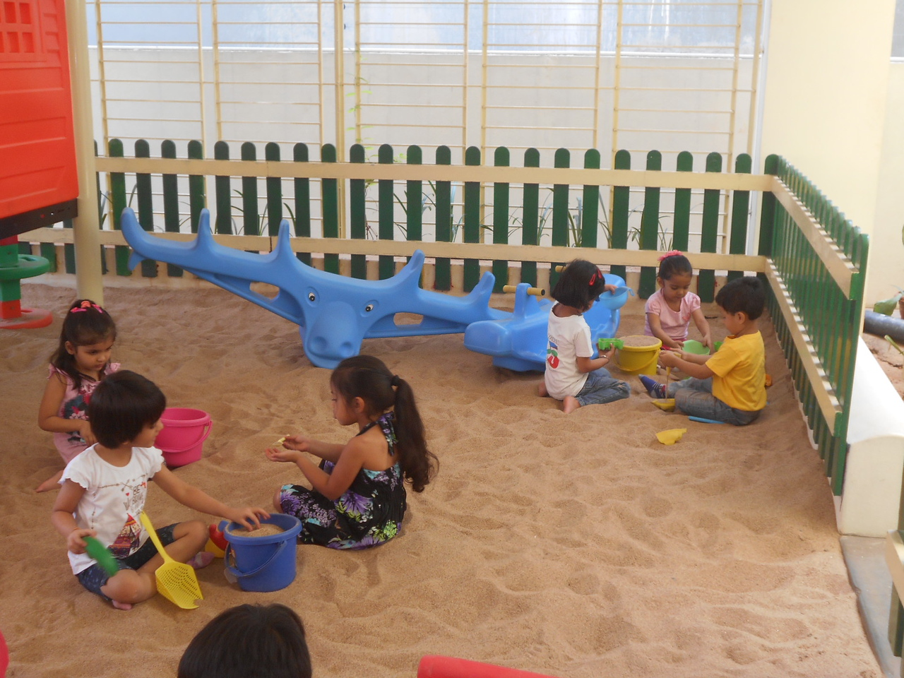 DEVELOPING FINE MOTOR, CREATIVE AND SOCIAL SKILLS DURING SAND PLAY (3)