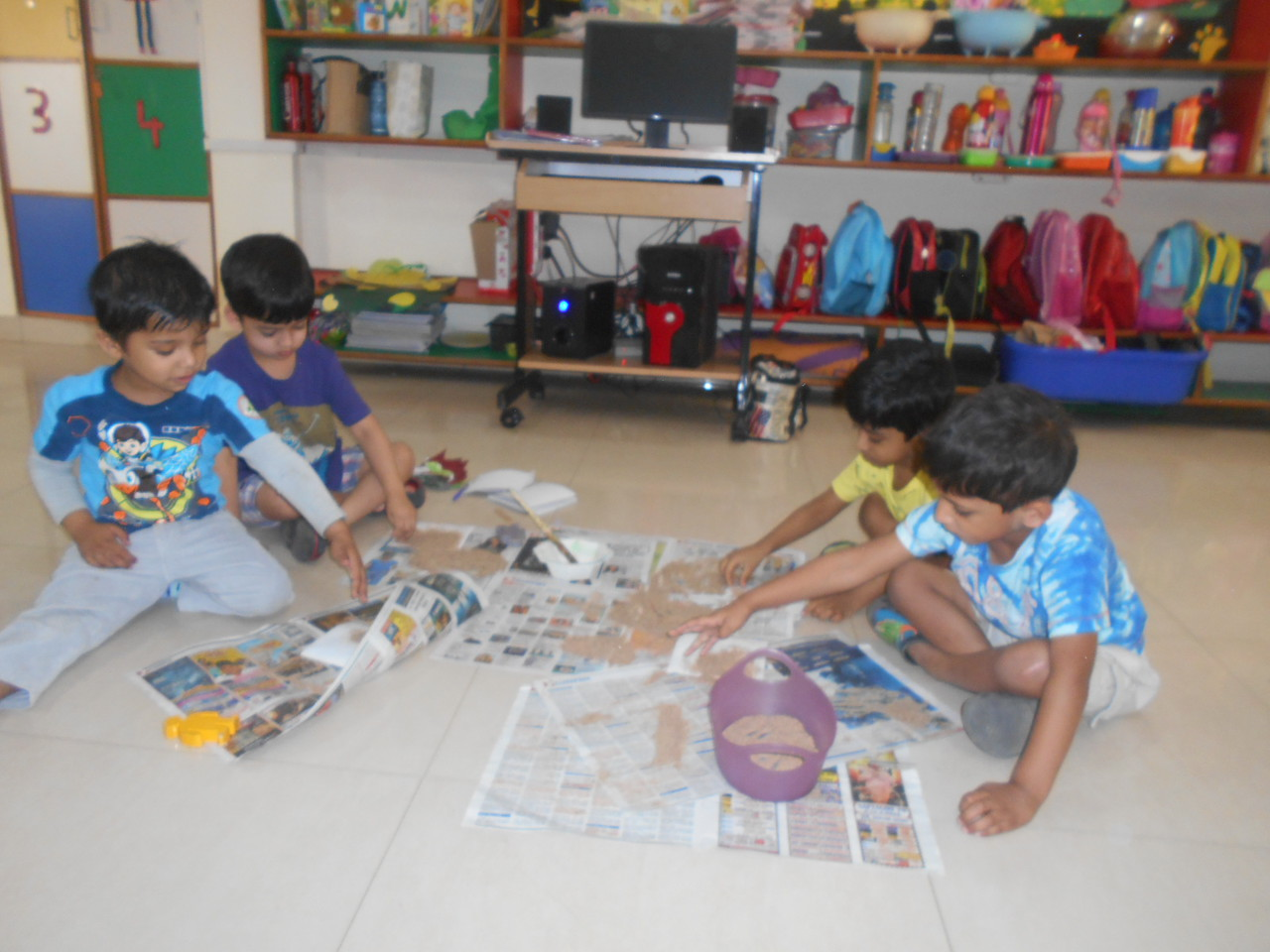 DEVEOPING FINE MOTOR, SENSORIAL AND SOCIAL SKILLS THROUGH SAND POURING ACTIVITY (2)