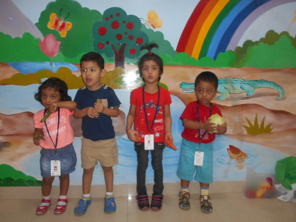 DEVELOPING COGNITIVE, SOCIAL AND COMMUNICATION SKILLS THROUGH SHOW AND TELL ACTIVITY (2)
