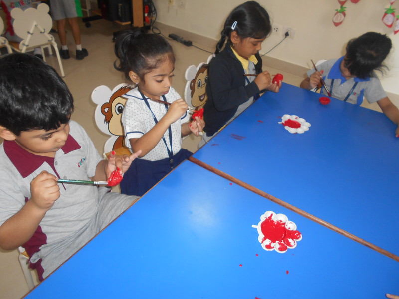 DEVELOPING CREATIVE AND FINE MOTOR SKILLS - COLOURING OF DIYAS