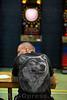 25.06.2016 - Dart Ligaspiele in der Stadthalle in Olten - Geschicklichkeitsspiel bzw. ein Präzisionssport , bei dem mit Pfeilen ( den Darts ) auf eine runde Scheibe ( die Dartscheibe ) geworfen wird - Ein Mann trägt ein T - Shirt mit einem Abbild eines Wolfs © Patrick Lüthy/IMAGOpress.com