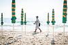 Strandläufer am Sandstrand von Alassio