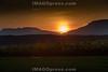 Sonnenuntergang in Härkingen mit Sicht gegen den Jura Südfuss © Patrick Lüthy/IMAGOpress.com