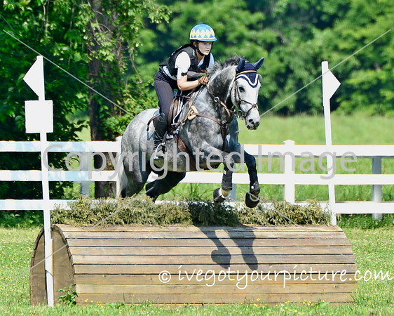 This image available for digital purchase only.  Prints of this image can be purchased here: http://www.ivegotyourpicture.com/2016EquestrianEvents/42FDL-Spring-Run-June-2016/i-V5zHTVT/buy