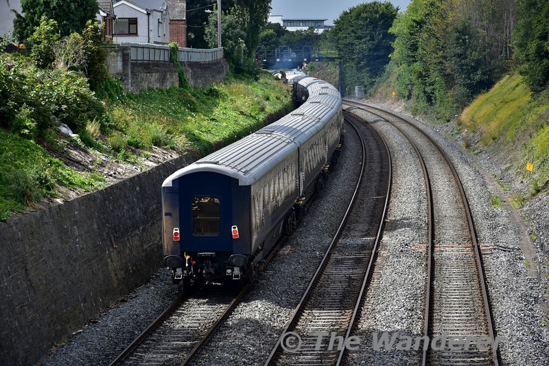 The Belmond Grand Hibernian set was sent from Inchicore to Heuston on Saturday lunchtime to service it in advance of further trials around the country next week. The set returned to Inchicore at 1310 operating via the washing plant. It is pictured in The Gullet heading towards Inchicore. Sat 20.08.16