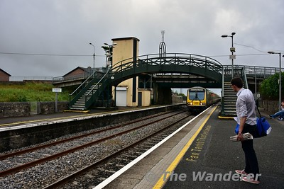 "I can imagine the passenger is saying ""oh no not a Commuter train"". 29026 + 29007 arrive into Longford with the 1800 Sligo - Connolly. This and the 0900 Connolly - Sligo on a Sunday are the only 29000 Class services on the route that use these suburban layout train. Sun 19.06.16"