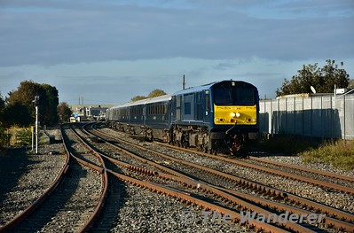 The next morning we see 216 passing Portlaoise with the Spl. 0825 Charleville - Galway via Portarlington. Thurs 13.10.16