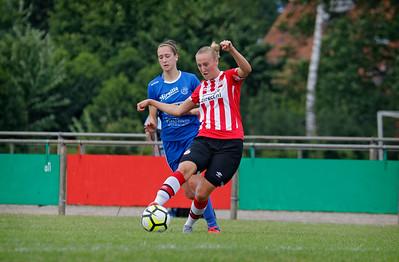20160807 - Belgie - Zonhoven - Ladies Genk - PSV Vrouwen  - Gwen Duijsters (Ladies Genk) - Lucie Akkermans (PSV Vrouwen)