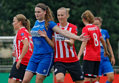 20160807 - Belgie - Zonhoven - Ladies Genk - PSV Vrouwen  - Sylke Calleeuw (Ladies Genk) - Lucie Akkermans (PSV Vrouwen)