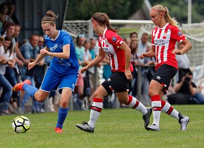20160807 - Belgie - Zonhoven - Ladies Genk - PSV Vrouwen  - Gwen Duijsters (Ladies Genk) - Melissa Evers (PSV Vrouwen) - Kirsten Koopmans (PSV Vrouwen)