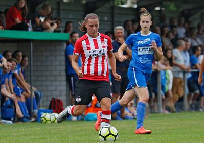 20160807 - Belgie - Zonhoven - Ladies Genk - PSV Vrouwen  - Gwen Duijsters (Ladies Genk) - Melissa Evers (PSV Vrouwen)