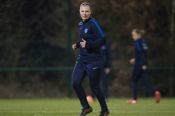 2017-02-02 - GENK - Training KRC Genk Ladies - Esther Oversteyns