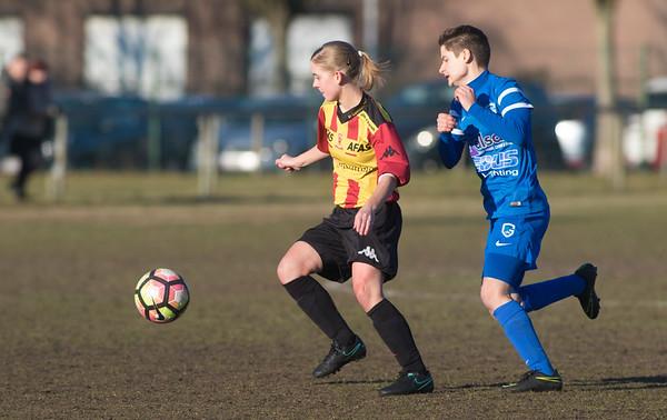 20170121 - GENK - KRC Genk II - KV Mechelen - Esther Knevels