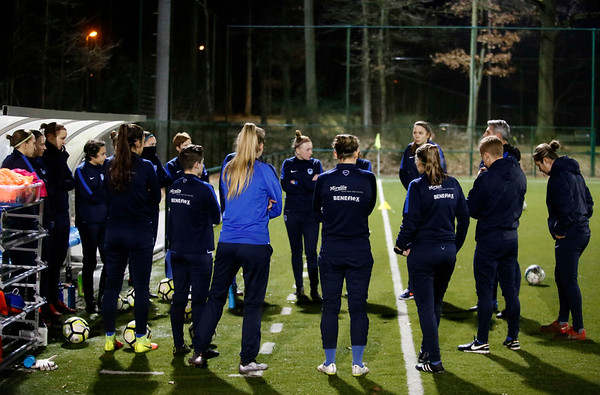 2017-02-16 - GENK - Training Genk Ladies - illustration - sfeer - illustratie