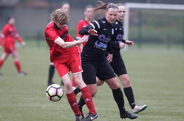 2017-03-18 - GENK - KRC Genk II - FC Halvenweg Zonhoven - Esther Oversteyns