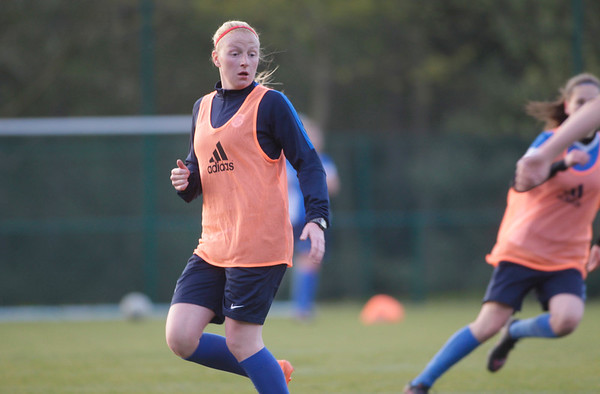 2017-03-13 - GENK - Training KRC Genk Ladies - Silke Leynen