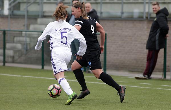 2017-04-22 - GENK - KRC Genk Ladies ll - Anderlecht lll -  Esther Oversteyns - Lola Peron