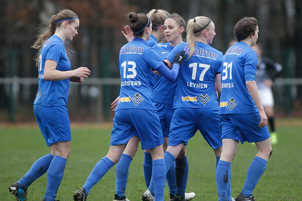 Genk - 20171223 - KRC Genk Ladies - Eendracht Aalst - Beker van Belgie - Silke Leynen of KRC Genk Ladies - Sylke Calleeuw of KRC Genk Ladies - Nadine Hanssen of KRC Genk Ladies - Sigrid Bertels of KRC Genk Ladies