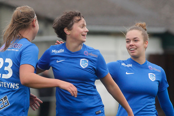 Febe Nulens of KRC Genk Ladies - Esther Oversteyns of KRC Genk Ladies - Lore op de Beek of KRC Genk Ladies