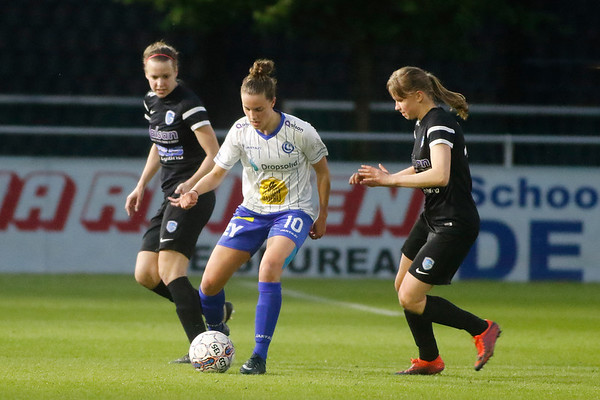 Gent - 27-04-2018 - KAA Gent Ladies - KRC Genk Ladies - Aster Janssens of KRC Genk Ladies - Chloe van de Velde of KAA Gent Ladies