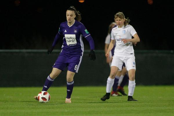 30-11-2018 - Tubeke - RSCA Anderlecht - KRC Genk Ladies - Tine De Caigny of Anderlecht - Aster Janssens of KRC Genk Ladies