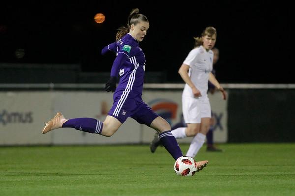 30-11-2018 - Tubeke - RSCA Anderlecht - KRC Genk Ladies - Tine De Caigny of Anderlecht