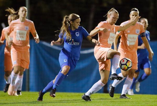 13-10-2018 - Genk - Super League - KRC Genk Ladies - RSC Anderlecht - Sarah Wijnants of RSC Anderlecht - Lisa Verhoeven of KRC Genk Ladies
