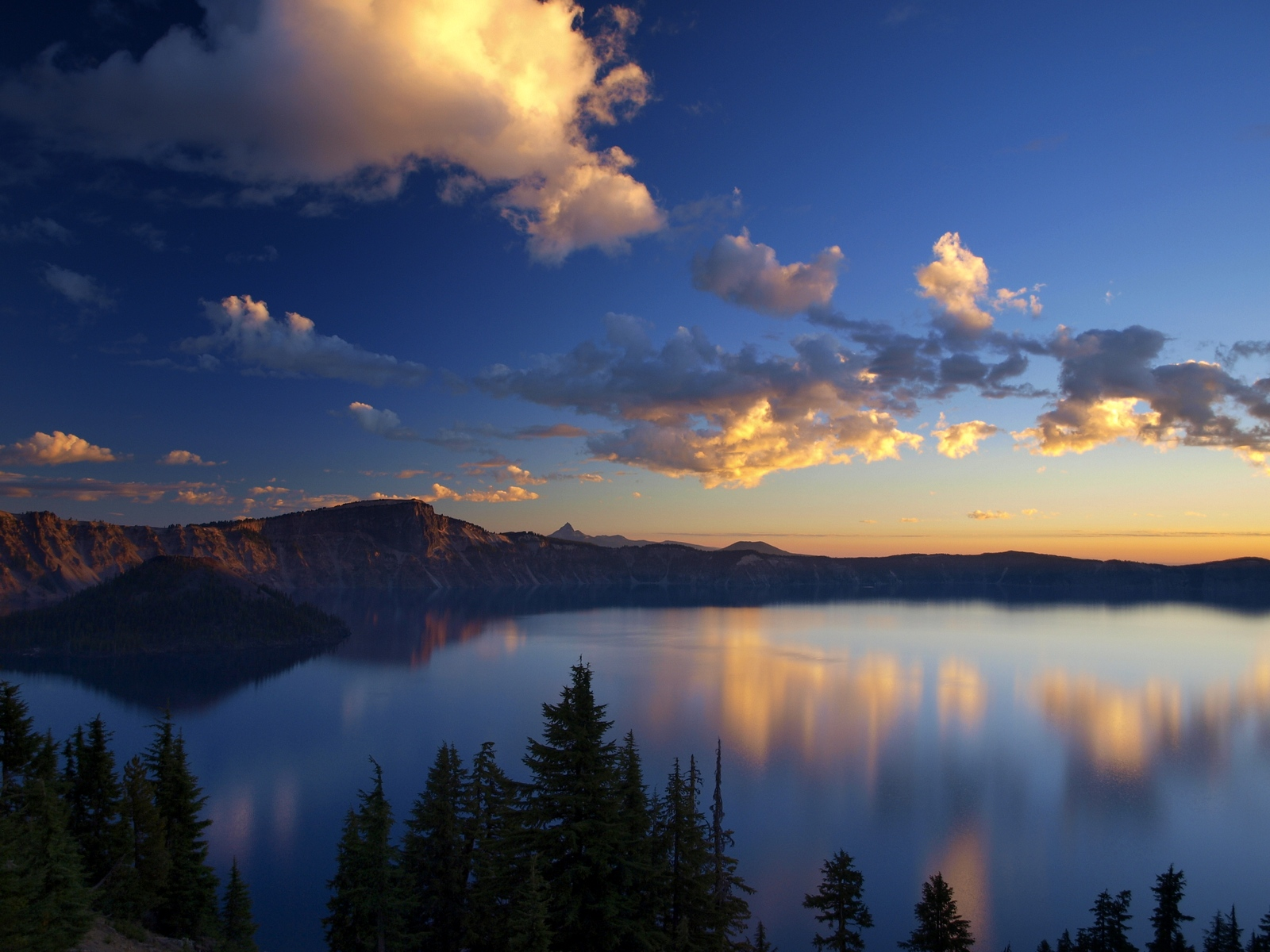 Crater Lake National Park Oregon