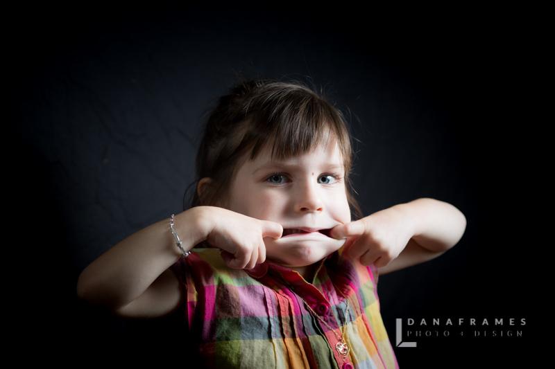 Simkus_Download_Dana Frames Photo + Design-10