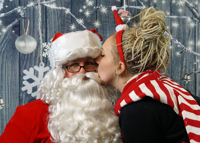 2017 12-15 Skate Night with Santa at the Igloo