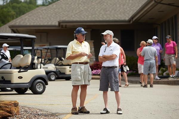 2017_UWL_Alumni_Golf_Outing_0019