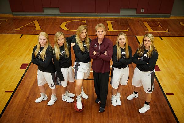 2017_UWL_Womans_Basketball_Team_Seniors_0041