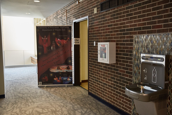 2018 UWL Center for the Arts AED