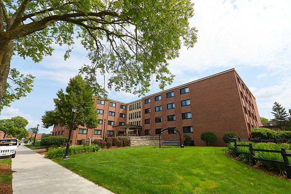 2017_UWL_Residence_Halls_Dorms_Angell_Hall_0016