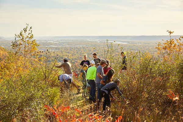 Activity; Collaboration; Community Service; Buildings; Bluffs; College; College of Science and Health; Location; Outside; People; Student Students; Seasons Weather; Fall; October; UWL UW-L UW-La Crosse University of Wisconsin-La Crosse