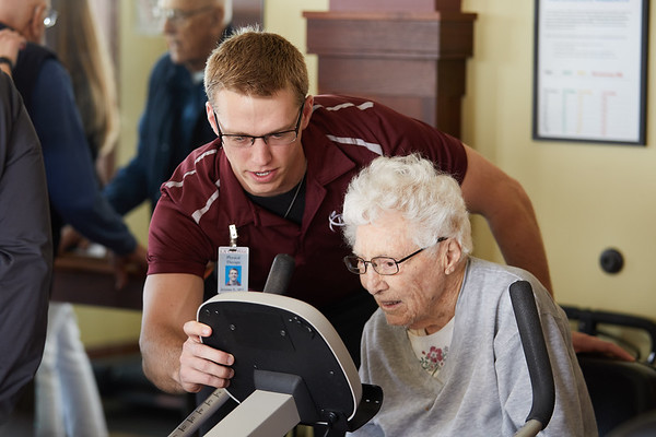 2018 UWL April Physical Therapy PT Students Fall Prevention0023