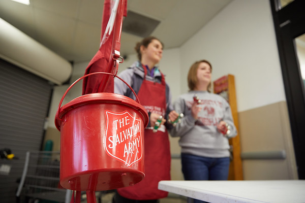 2017_UWL_Salvation_Army_Bell_Ringers_0073