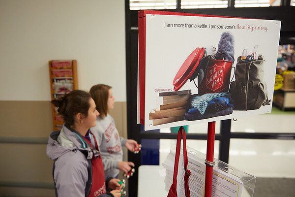 2017_UWL_Salvation_Army_Bell_Ringers_0061