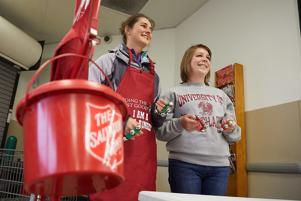 2017_UWL_Salvation_Army_Bell_Ringers_0082