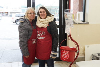 2017_UWL_Salvation_Army_Bell_Ringers_0004