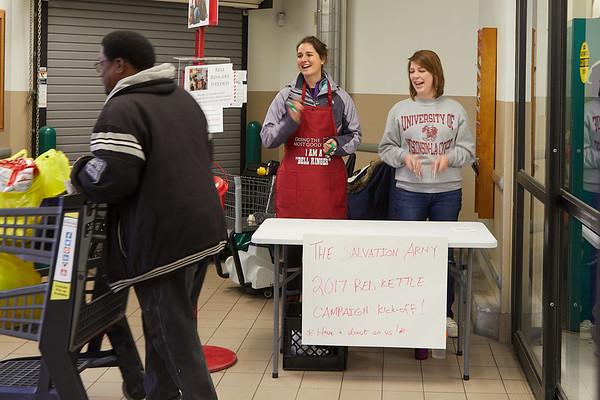 2017_UWL_Salvation_Army_Bell_Ringers_0035